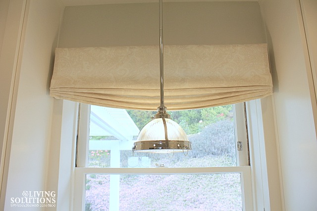 Relaxed Roman Shade Valance with Pendant