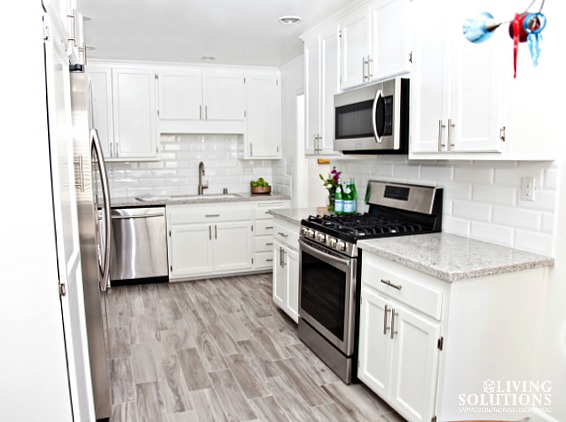 White Kitchen Wood Plank Tile Quartz Countertop*