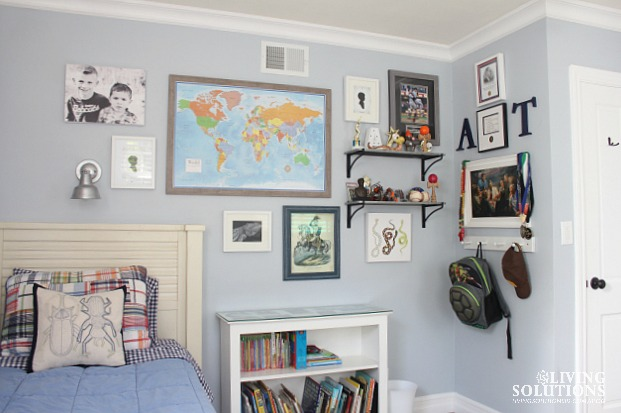 Gallery Wall-Map Photos Art