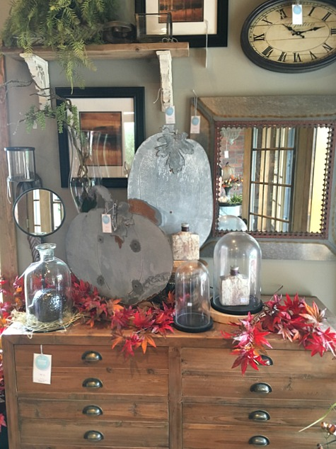 fall-decor-display