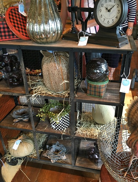 fall-wood-metal-decor